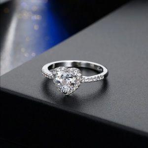 Jewelry - Cubic Zirconia Heart Ring
